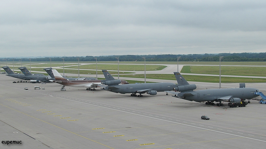 zz_Flightline_02.jpg
