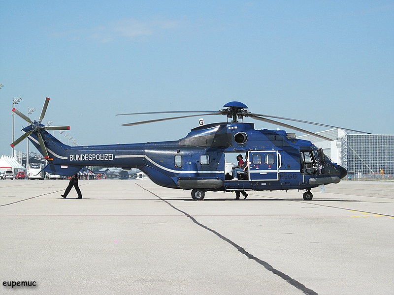 zz_D-HEGG - AS-332 L1 Super Puma_01.jpg
