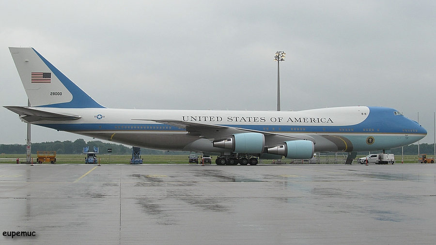 zz_28000 - VC-25A - Air Force One_03.jpg